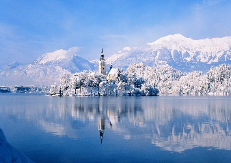 bledi tó télen